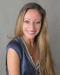 headshot of Cristina Alonso